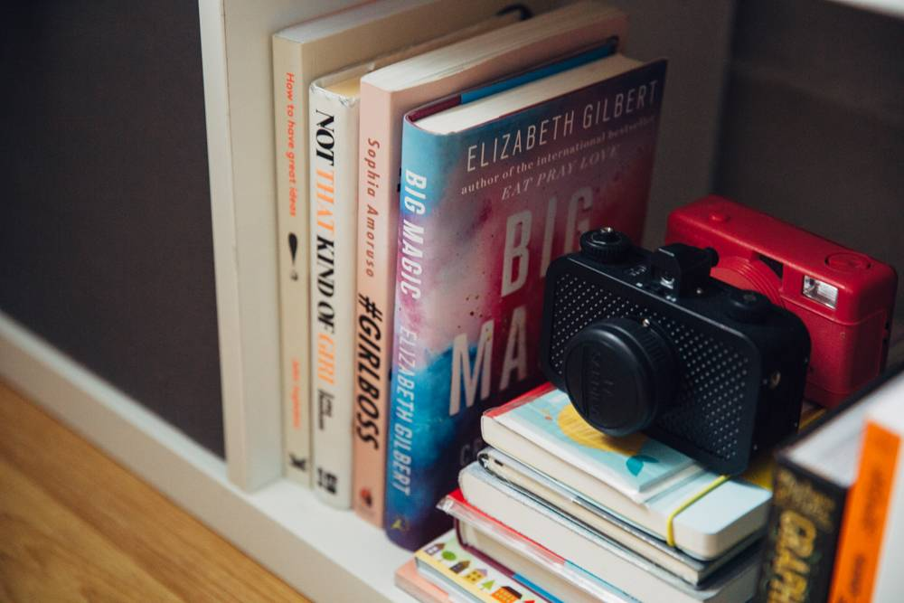 JoCrawford-BloggersAtDesks