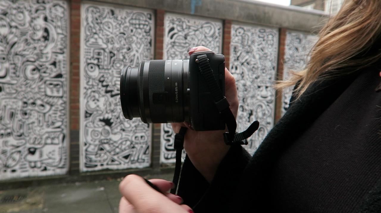 Blogger Fashion Canon M10